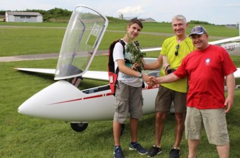 Alleinflug Flugschüler Fluglehrer Luftsportverein Biberach